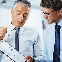 financial-advisers-200